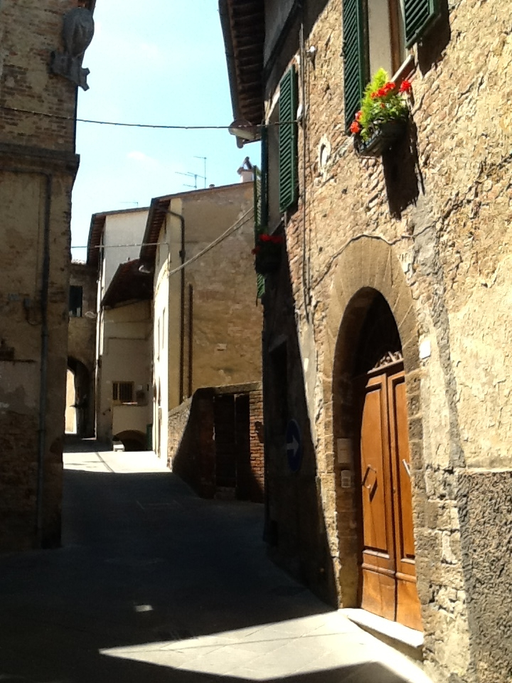 A bargain apartment for sale in Tuscany Italy