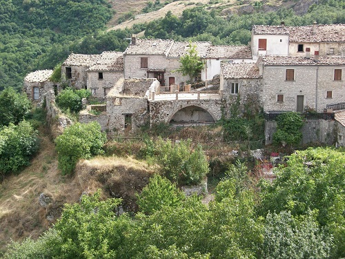 1 Euro home for sale in Italy