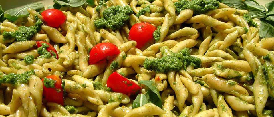 Pasta broccoli tomtoes